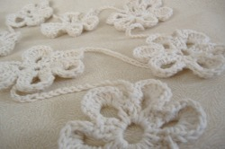 crocheted daisy garland